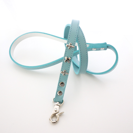 leash lily powder blue
